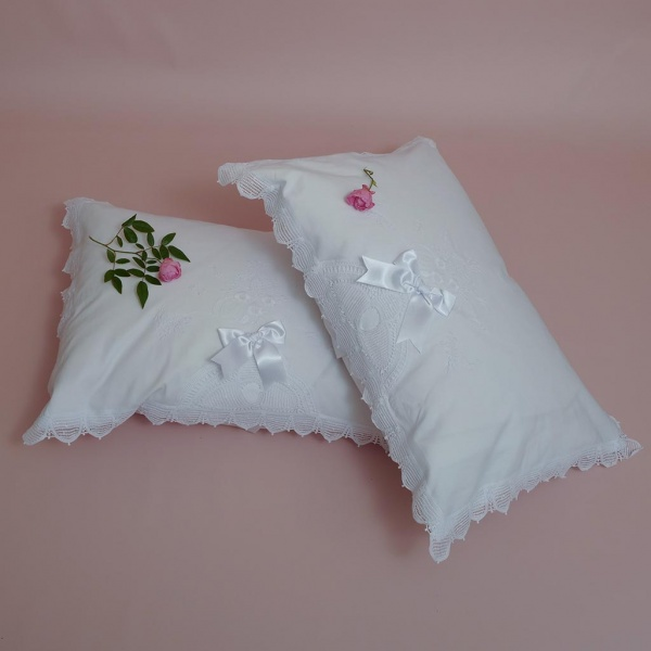 White Hand Embroidered Pillowcase With Lace Edging